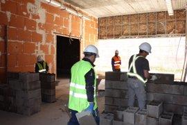 Andalucía roza los tres millones de ocupados tras registrar 23.095 parados menos en mayo