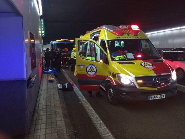 Ambulancia del Samur que ha acudido al lugar del accidente