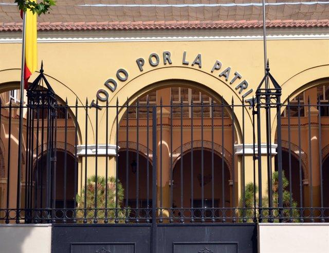 """""""Subasta De 334 Armas En La Comandancia De La Guardia Civil De Badajoz """""""
