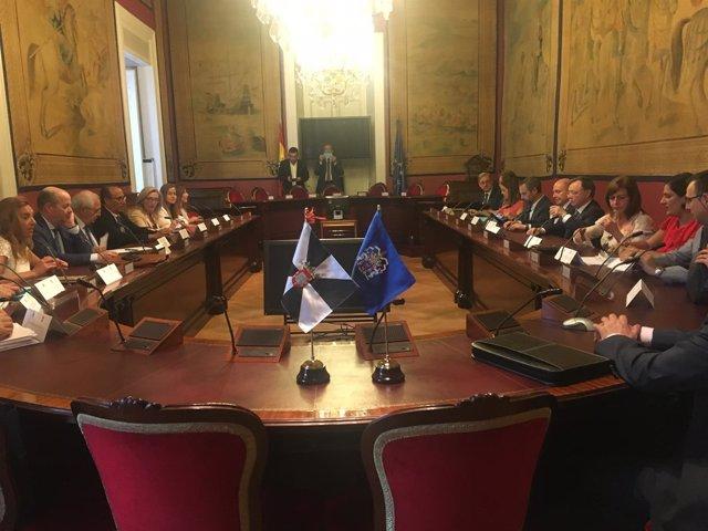 Representantes de Ceuta y Melilla reunidos en el Senado