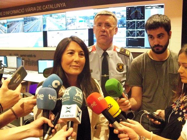 La directora de Trànsit Eugenia Doménech y el comisario Miquel Esquius