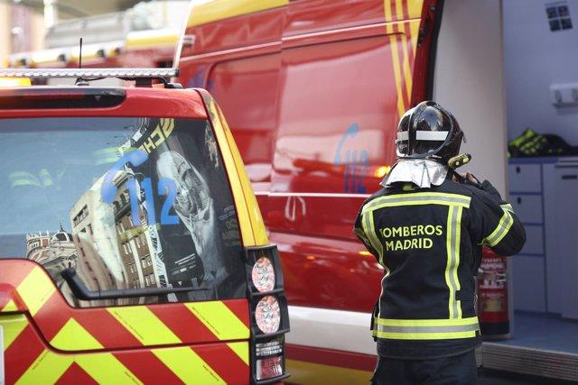 Coche, vehículo de bomberos de Madrid, bombero