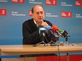 """Leiceaga pide a Feijóo que """"deje de ser obstáculo"""" para una investigación en el Congreso del accidente de Angrois"""