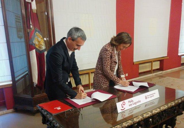 Gamarra y Rubio firman el acuerdo para la Cátedra de Comercio