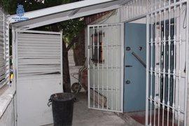 """Detenidas dos personas durante la desarticulación de un """"supermercado de la droga"""" en una vivienda en Badajoz"""