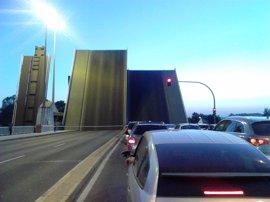 Licitadas en Sevilla por 3,6 millones las obras de mejora del puente de Las Delicias