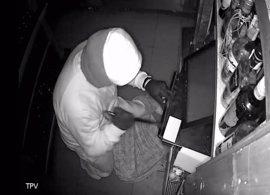 Detenido un experimentado delincuente por una veintena de robos en comercios de Cabo de Palos y La Manga