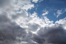 El fin de semana será inestable en el tercio norte peninsular, con lluvias y descenso de temperaturas en la Península