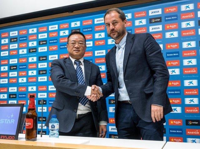 Óscar Perarnau, Director General Deportivo del RCD Espanyol con el presidente