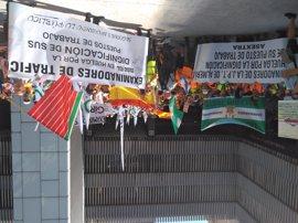 Examinadores de tráfico de toda España se concentran en Madrid para exigir condiciones pactadas con la DGT hace dos años