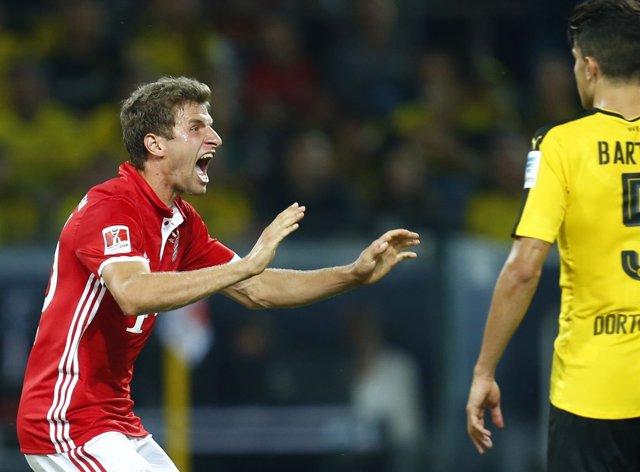 Muller celebra un gol en el Bayern Munich - Borussia Dortmund