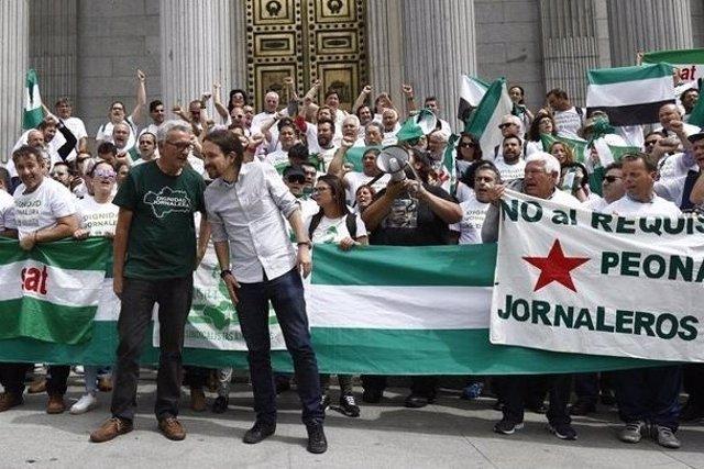 Cañamero y Pablo Iglesias, en un reciente acto con jornaleros