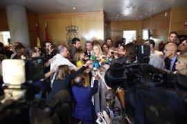 """Oposición afea a Cifuentes que estuviera """"a la defensiva"""" y dijera que nunca intervino en la contratación de la Asamblea"""