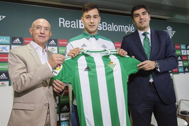 Sergio León, presentado como nuevo jugador del Real Betis