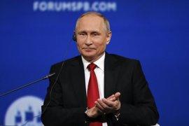 """Putin bromea con la retirada de EEUU del Acuerdo de París: """"Don't worry, be happy"""""""