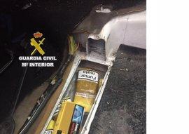 Intervenidas 340 bolsas de tabaco de picadura en el doble fondo de un vehículo en La Línea (Cádiz)