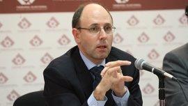 """Un miembro de la Comisión de Venecia señala el riesgo de ir """"contra o por encima"""" de la ley"""