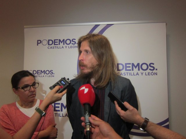Valladolid. Pablo Fernández al término de la reunión