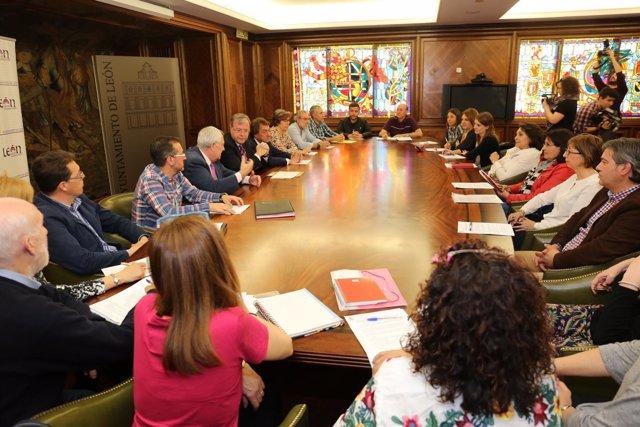León. Reunión con los directores de los 18 centros beneficiarios