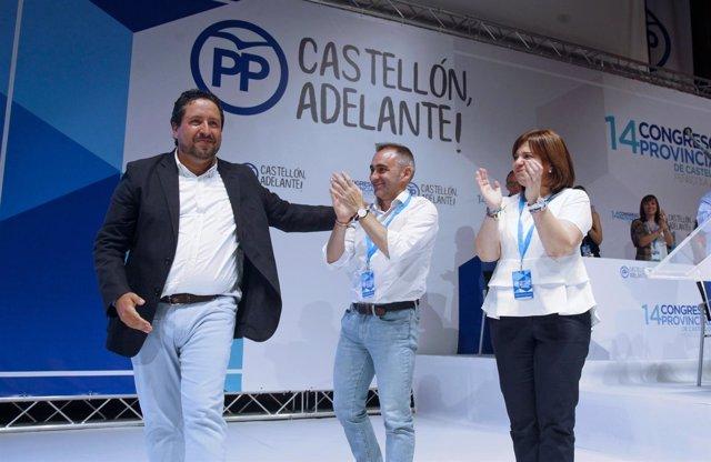 El 'popular' junto a sus compañeros de partido en el cónclave