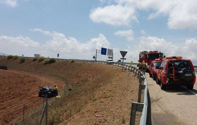 Dos heridos en un accidente de tráfico en la A-23, en Longares.