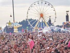 El festival Rock am Ring alemán se reanuda tras la amenaza terrorista del viernes