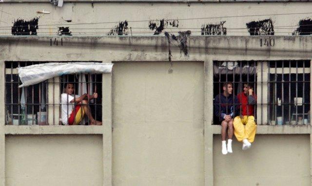 Presos de un cárcel en Brasil (2006).