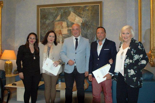 Firma de convenios de la Diputación de Córdoba en materia de consumo