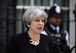 May defiende un endurecimiento de las penas y más regulación en Internet para combatir el terrorismo