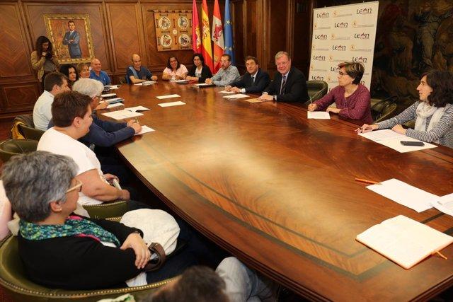 León. Reunión con las AMPAS de los colegios públicos