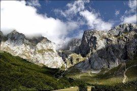 Se busca a dos senderistas suizos desaparecidos en el entorno de Fuente Dé