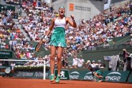 Muguruza cae ante Mladenovic y no revalidará su título en Roland Garros