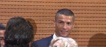 Así celebra Cristiano Ronaldo las galletas de Carmena