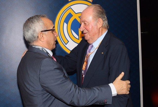 Alejandro Blanco saluda al Rey emérito, don Juan Carlos