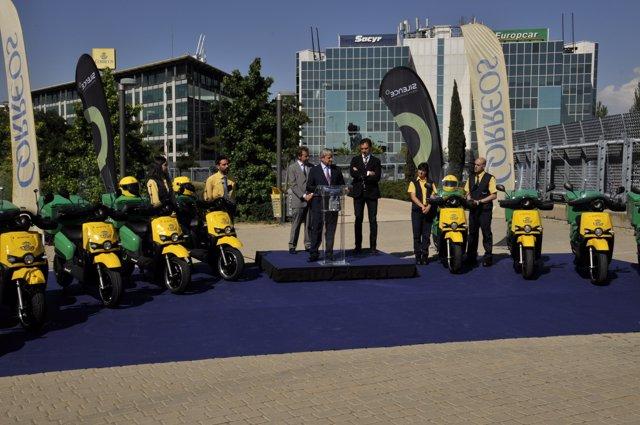 Correos presenta sus nuevas motos eléctricas