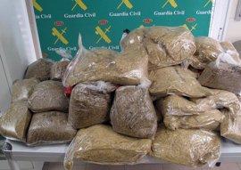 La Guardia Civil interviene en Badajoz 37 kilos de picadura de tabaco destinado a fabricación casera