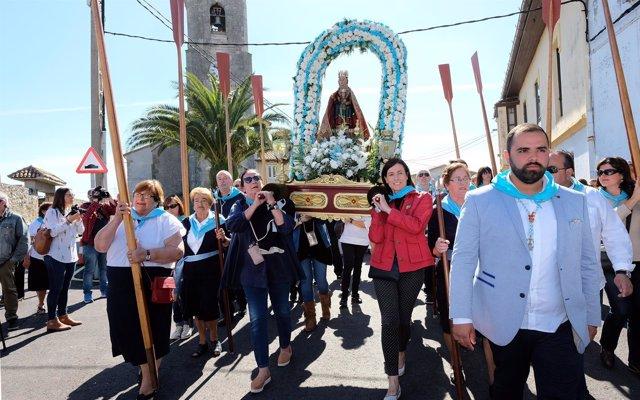 Inicio de la procesión de la Virgen del Mar en San Román
