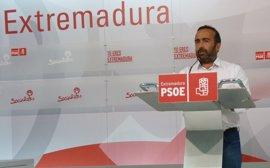 """El PSOE defiende el concurso """"legal"""" de ambulancias e ironiza sobre la """"fuerza moral"""" del PP para hablar de contratos"""