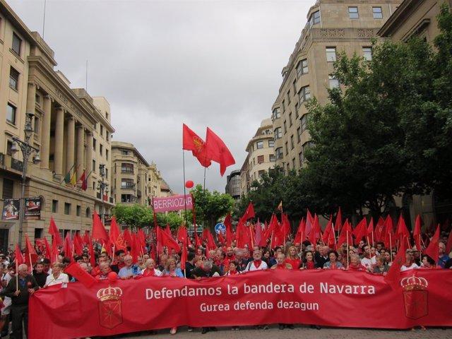 """Manifestación en Pamplona """"en defensa de la bandera de Navarra"""""""