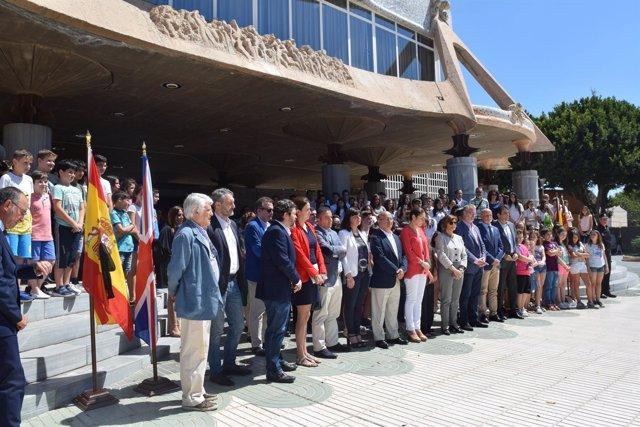 Diputados regionales del PP se solidarizan con el pueblo inglés