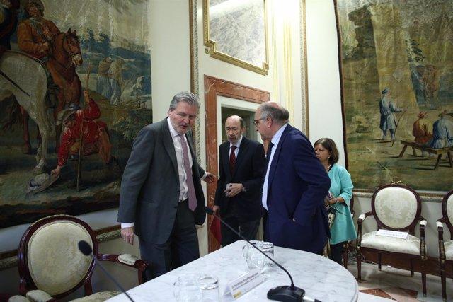 Íñigo Méndez de Vigo y Rubalcaba en un Seminario de portavoces de Gobierno