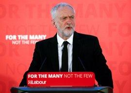 Corbyn pide la dimisión de May por sus recortes en la financiación de la Policía
