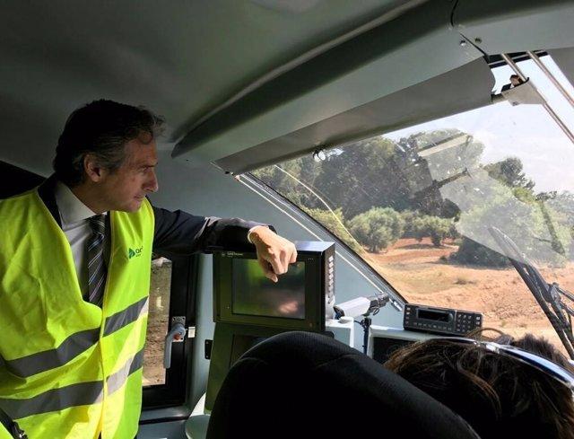 El ministro en su visita este pasado viernes a un tramo de la infraestructura