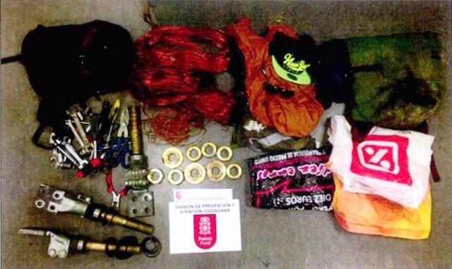 Material robado por los detenidos.