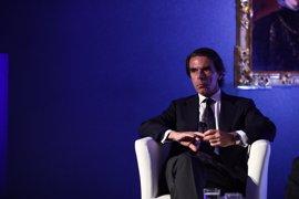 """Aznar avisa de que """"la batalla"""" contra el terrorismo se perderá si se decide """"mirar para otro lado o no hacer nada"""""""