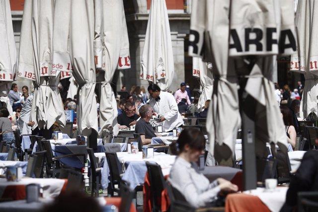 Bar, bares, gente, personas, persona, hostelería, turismo en Madrid