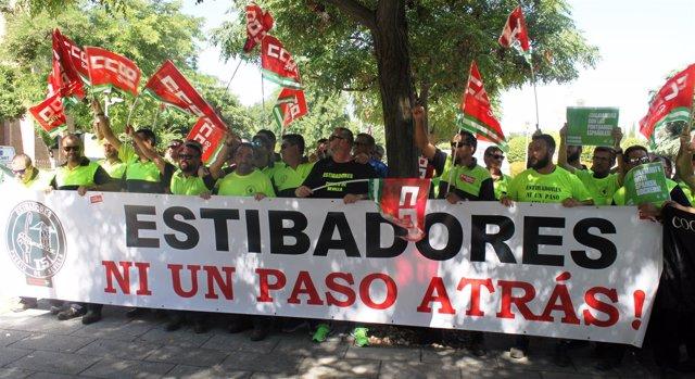 Concentración de estibadores en Sevilla
