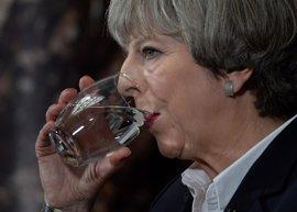May rehúsa pronunciarse sobre la caída de los 'tories' en los sondeos a tres días de las elecciones