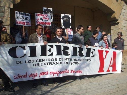 IU se opone al CIE de Algeciras