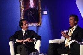 """Aznar, """"muy preocupado"""" con Trump, cree que gobierna por los """"errores"""" de Obama"""